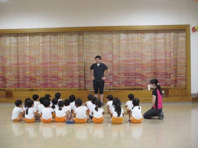 英語で遊ぼう」が始まりました。ゆり・こすもす・きく - 宮崎学園短期 ...